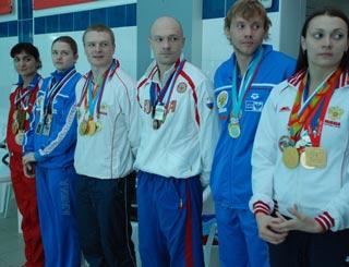 В Лазурном прошли «Веселые старты» с чемпионами