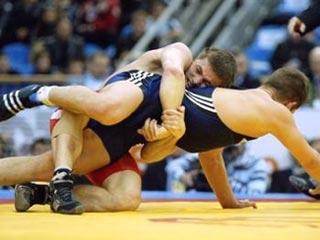 Новосибирские борцы выигрывают на международном турнире