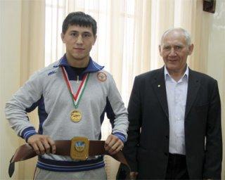 Очередные медали новосибирских борцов-классиков