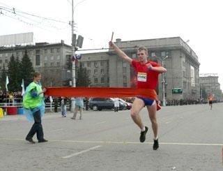 9 мая на площади Ленина пройдет 65-я легкоатлетическая эстафета памяти маршала А. И. Покрышкина