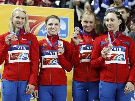 Женская российская команда выиграла бронзовые медали эстафеты 4х400 м на чемпионате мира по легкой атлетике в помещении, который завершился в Стамбуле.