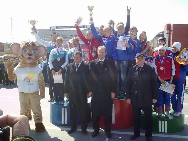 Новосибирск отмечает День Победы на старте общегородской легкоатлетической эстафеты памяти А.И. Покрышкина