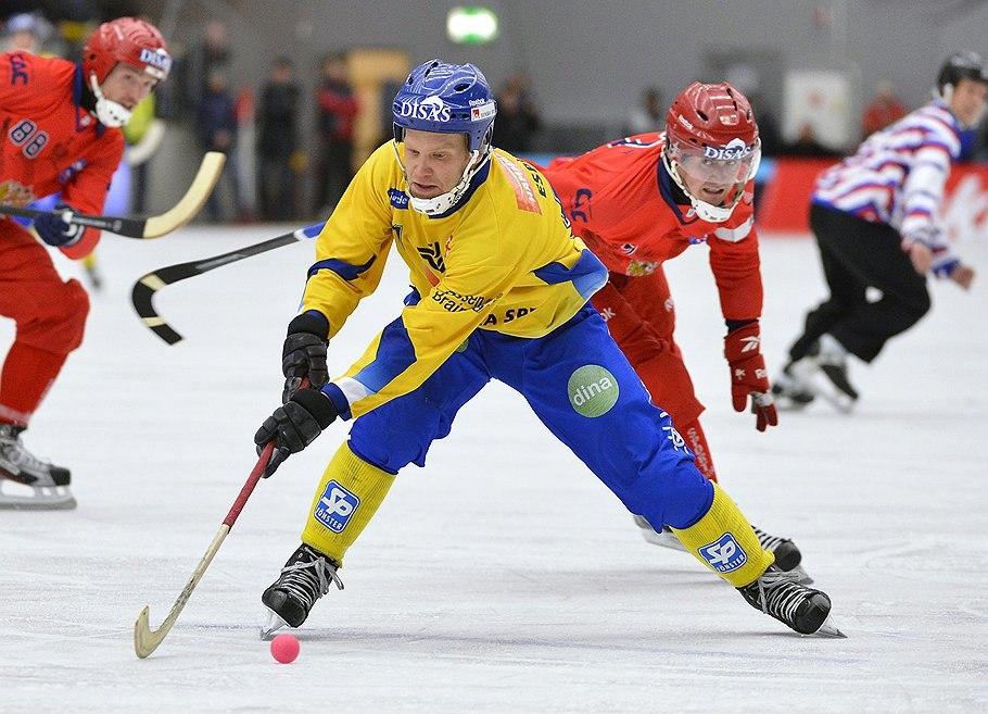 «Золото» чемпионата мира по хоккею с мячом в Швеции досталось России