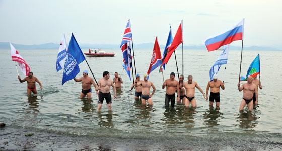 Новосибирцы приняли участие в межконтинентальном заплыве из России в Америку
