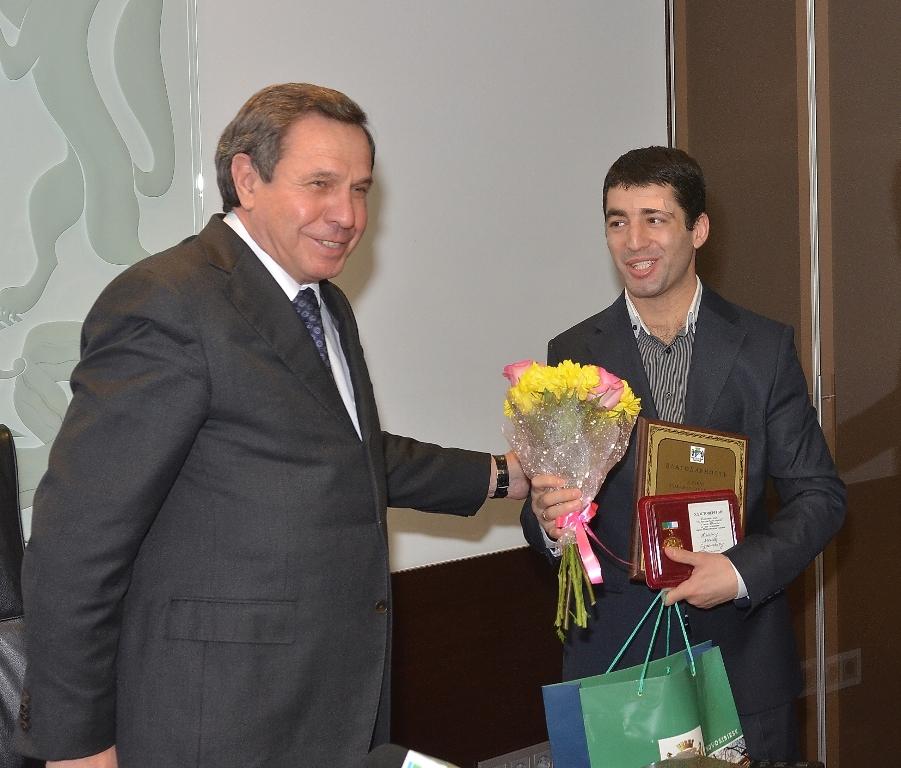 Мэр Новосибирска наградил спортсменов НЦВСМ