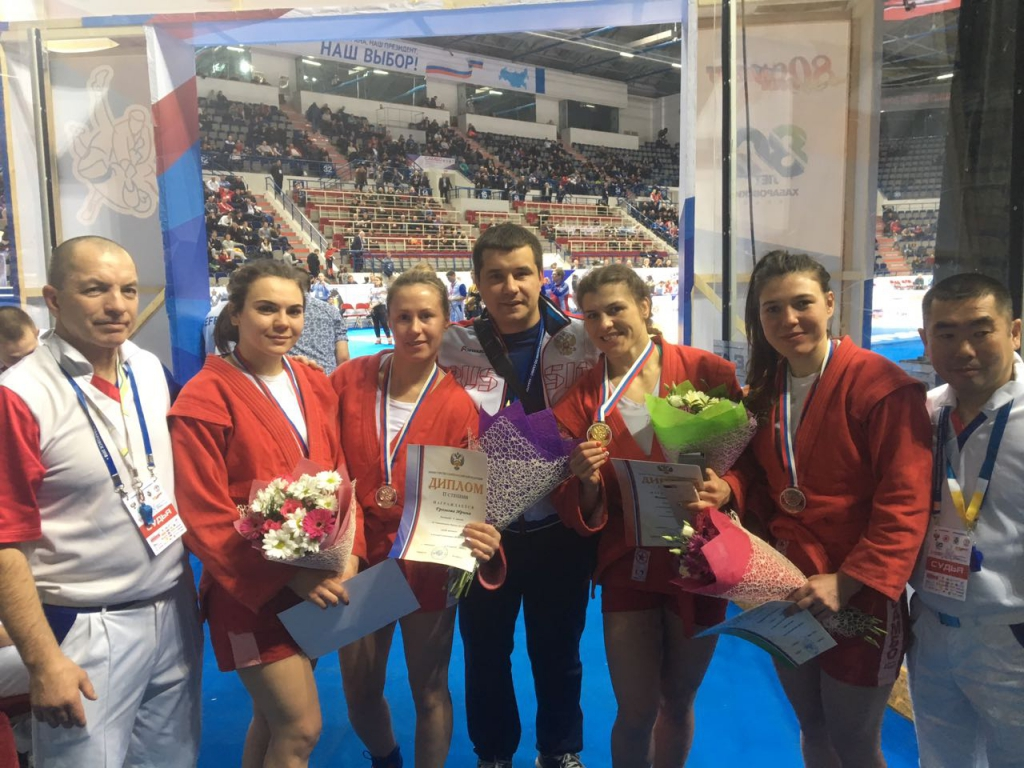 Новосибирские самбистки вернулись домой с медалями чемпионата России