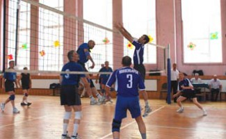 В НЦВСМ проходит турнир по волейболу памяти А. Н. Рожкина