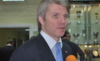 9 ноября в Новосибирске с рабочим визитом побывал заместитель министра спорта, туризма и молодёжной политики РФ Павел Колобков