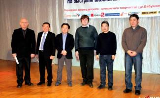 Дмитрий Бочаров выигрывает Мемориал Матханова  по быстрым шахматам