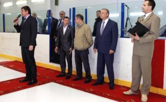 Стартовал хоккейный турнир: очевидные лидеры и «темные лошадки»