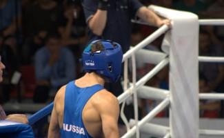 Иван Козловский завоевал золотую медаль на первенстве мира по боксу среди юниоров, который завершился в Киеве.