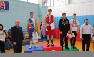 Максим Маяковский – чемпион округа по боксу
