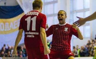 Мини-футбол: «Сибиряку» предстоит решающий матч за выход в финал чемпионата