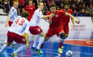«Сибиряк» лидирует в чемпионате России по мини-футболу