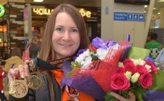Сюжеты новосибирских телеканалов о победе Надежды Коноваловой на чемпионате мира по стендовой стрельбе