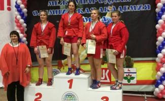 Олинда Храпунова и Ксения Блинова - призёры первенства России по самбо